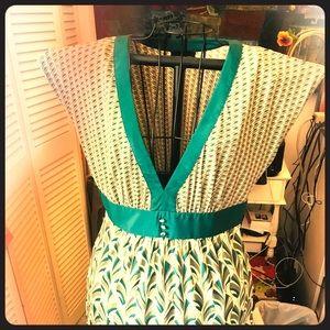 V-neck Dress with side zipper